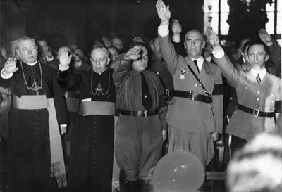 http://pravdatvcom.files.wordpress.com/2012/12/vatikan-nazi-regime.jpg?w=400