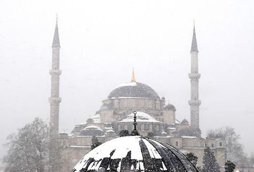 wintereinbruch-istanbul