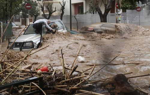 ueberschwemmungen-griechenland