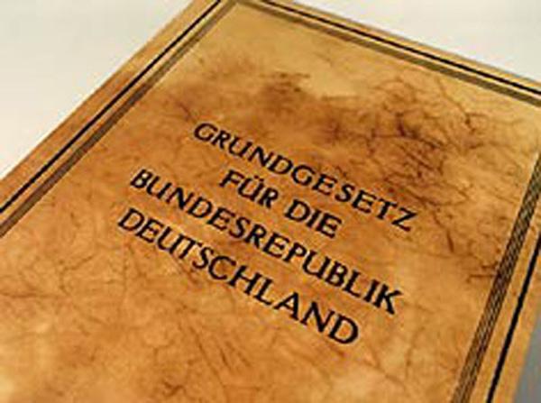 grundgesetz-besatzungsrecht-staatenlos-urkunde146